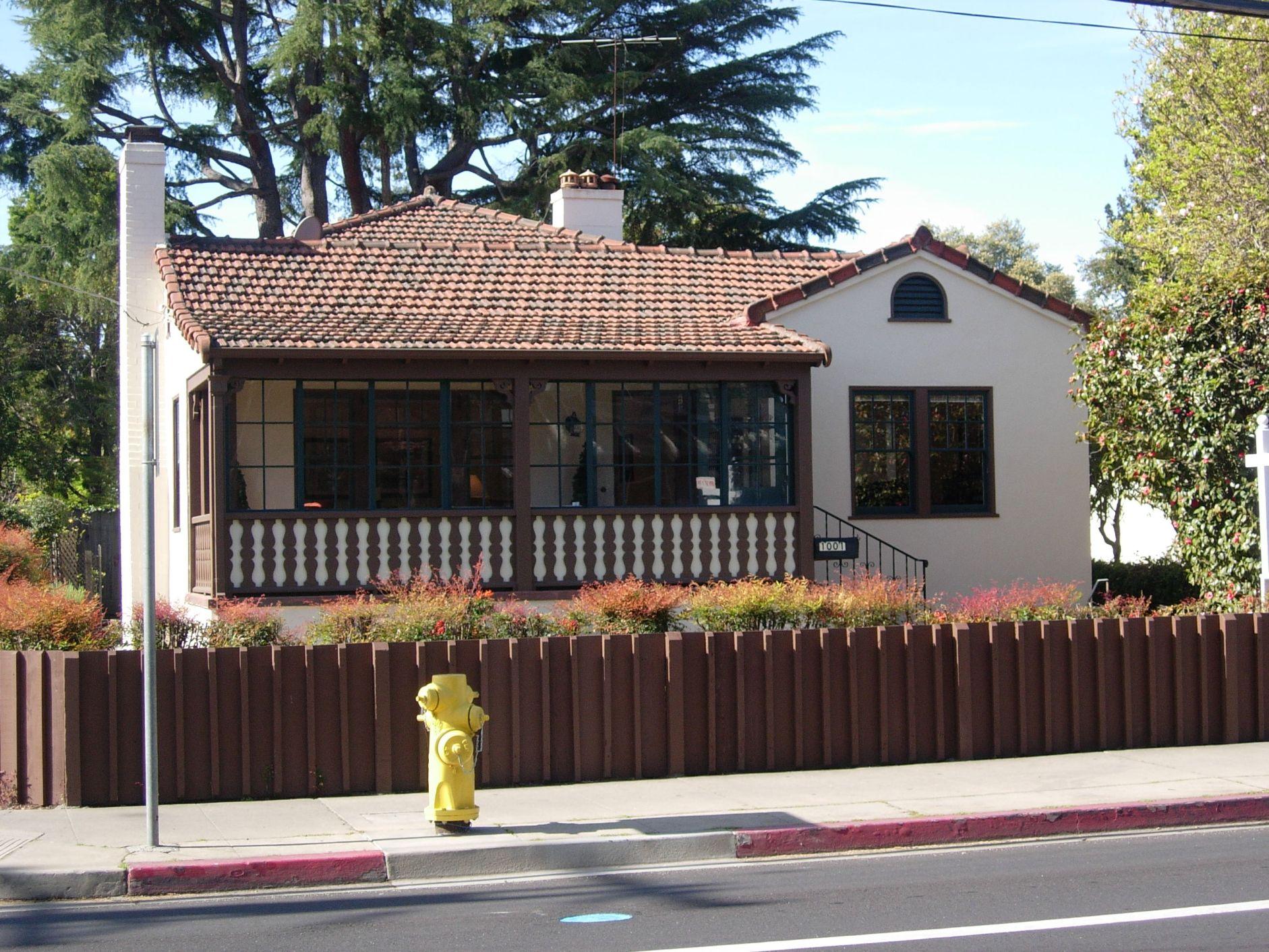 1001 University Drive, Menlo Park,CA